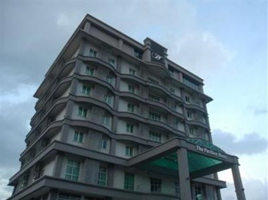 Photo of Hotel Lee Gardens Sandakan