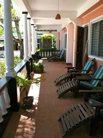The Catamaran Hotel: Veranda