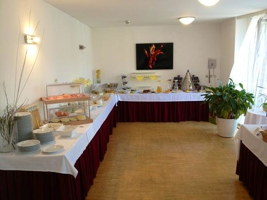 Rosen Hotel Europahaus: Buffet colazione