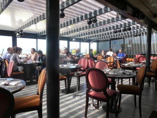 Salle à manger du restaurant Grain de Folie à Pornichet