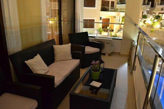 Esthisis Suites: Terrace