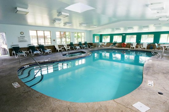 Mohican Motel: Indoor pool