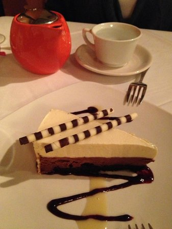 MJ's Steak and Seafood : The best dessert - chocolate mousse cake