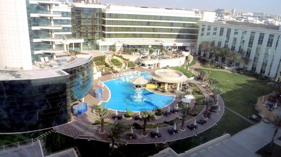 Copthorne Airport Hotel Dubai: Nice pool, but there is a $15 charge to use it