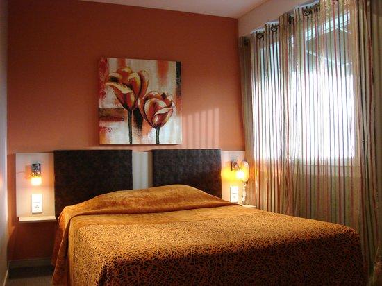 Hotel Le Savary: Chambre avec lit double