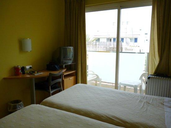Hotel Sercotel Zurbaran: Balcón
