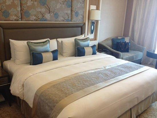 Edsa Shangri-La: Double room at the Edsa Shangri La