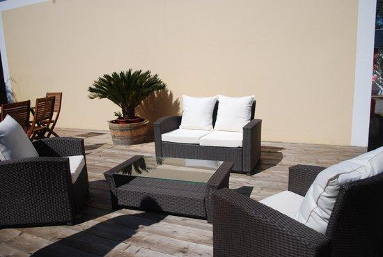 salon de d tente ext rieur photo de le relais c tier. Black Bedroom Furniture Sets. Home Design Ideas
