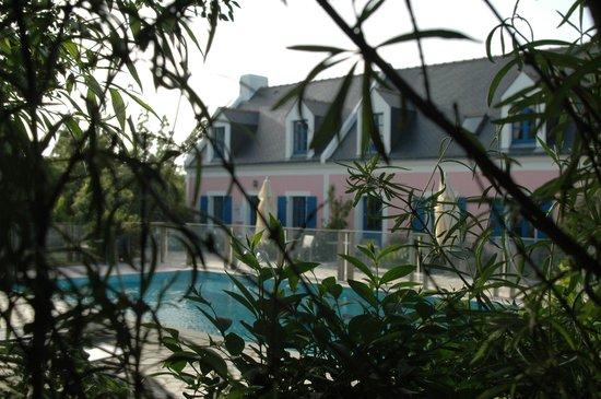 Hôtel La Désirade : le Jardin et la piscine