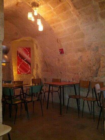 Interno locale e arredamento vintage foto di vicolo for Arredamento vintage napoli