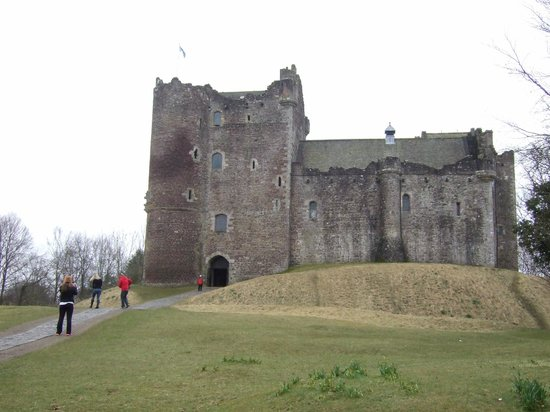 The Hairy Coo - Free Scottish Highlands Tour: Dunn Castle