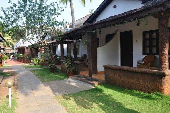 Silver Sands Holiday Village: Cottages at the resort