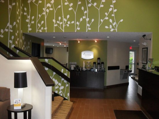 Sleep Inn Garner : Lobby Entrance
