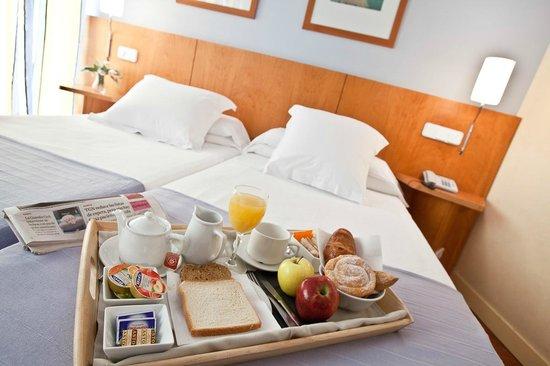 Hotel Núria : DETALLE HABITACIÓN