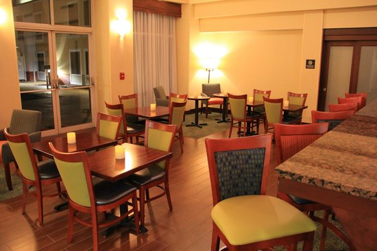 hampton inn suites newport news new lobby picture. Black Bedroom Furniture Sets. Home Design Ideas