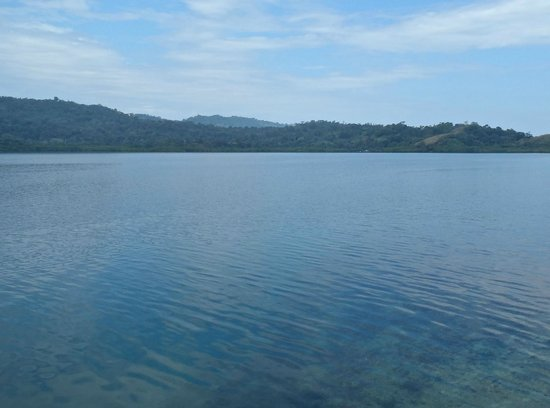 Starfish Reef Resort: The View Across to The Mainland