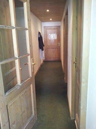 Residence LVH Vacances - Sun Valley: couloir de l'appartement