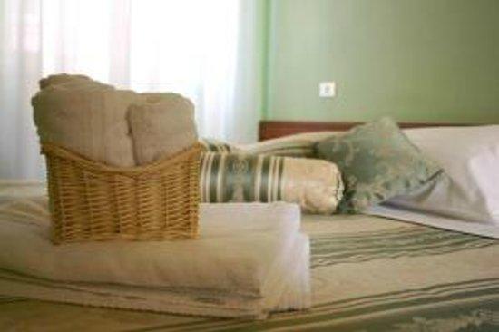Hotel Grimaldi: Particolare Camera Matrimoniale