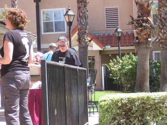 Residence Inn Anaheim Hills Yorba Linda: Usng the Hotel Grill