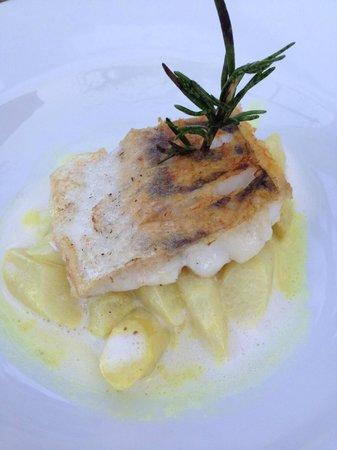 Restaurant & Hotel Schlosswirt zu Anif: Zander auf Curryspargel