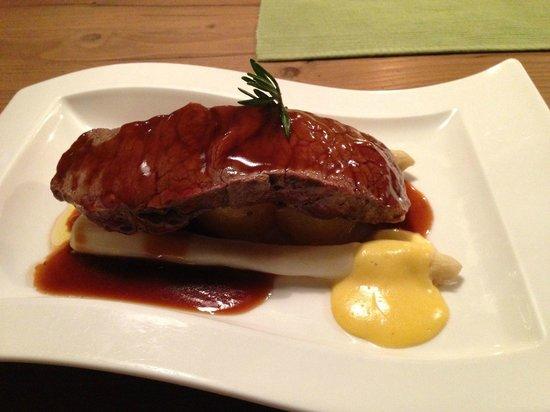 Restaurant Possruck: Beiriedschnitte an Spargel