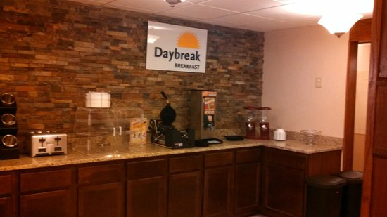Days Inn & Suites Gunnison: Breakfast Room