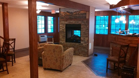 Days Inn & Suites Gunnison: Lobby Area
