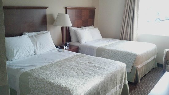Days Inn & Suites Gunnison: nonsmoking 2 queen beds