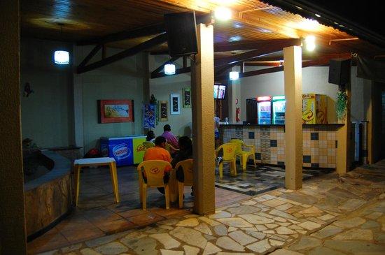 Rio das Pedras Hotel: El bar y sandwicheria