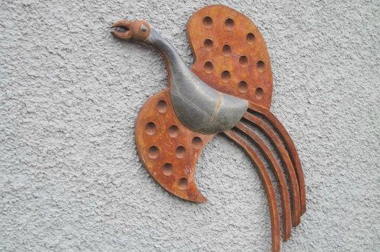 Capilla del Hombre: artist sculpture