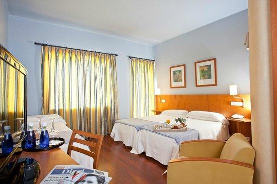 Hotel Núria : HABITACIÓN TRIPLE