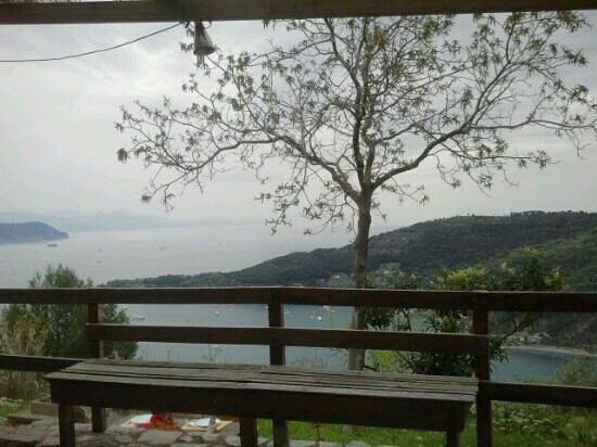 Rifugio Muzzerone: una vista incantevole con ogni tempo
