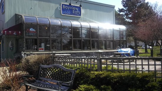 Bayview Bar & Grill