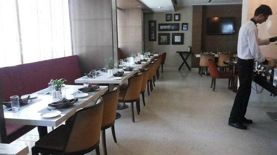 Comfort Inn Legacy : Dining Setup Breakfast