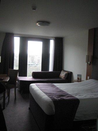 Premier Inn Edinburgh City Centre (Princes Street) Hotel: Camera 517
