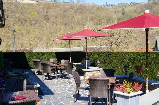 Hotel - Restaurant Beau Sejour: Terrasse