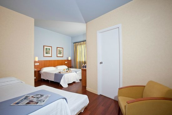Hotel Núria : HABITACIÓN CUÁDRUPLE