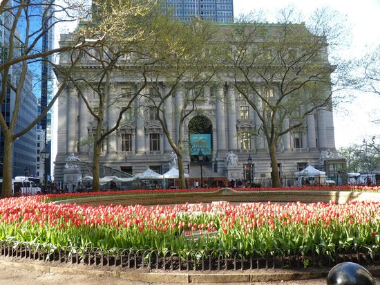 Bowling Green park & US Customs House (Now Museum of the Native American)