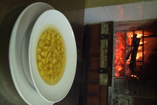 Castel Guelfo di Bologna, Italie : Pasta al mattarello