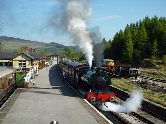 Embsay & Bolton Abbey Steam Railway: Bolton Abbey Station