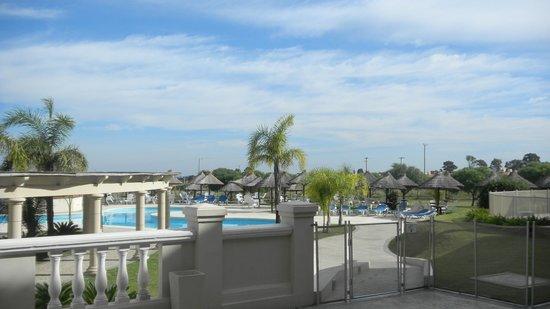 Howard Johnson Hotel Resort Villa de Merlo : AREA DE PISCINAS AL AIRE LIBRE CON AGUA CALIENTE