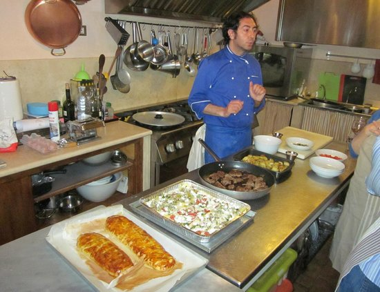 Villa Cicolina: Making eggplant strudel, vegetable lasagna with homemade noodles, lamb and sides