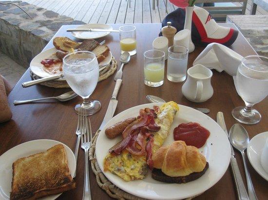 Rendezvous Resort : breakfast