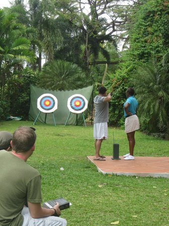 Rendezvous Resort: archery lessons
