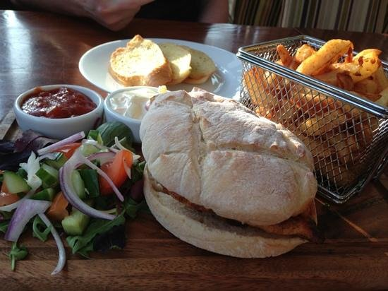 Bowburn Hall: chicken burger with mango salsa