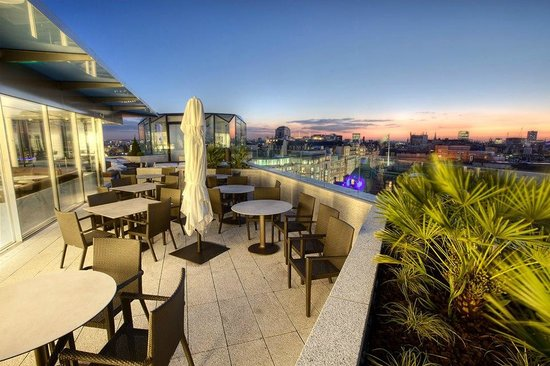 Radio Bar & Terraces at ME London - Picture of Radio ...