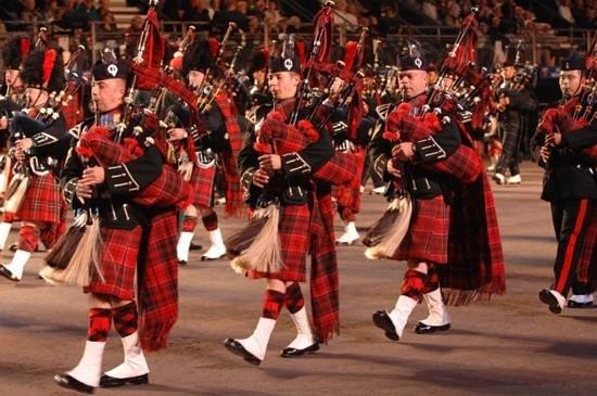 The Royal Edinburgh Military Tattoo: Marching band.