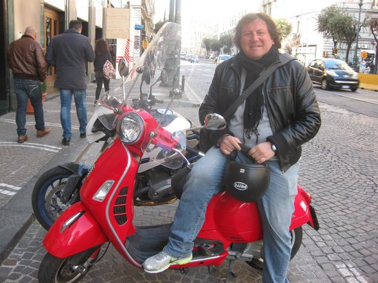 Vesparound in Italy: Emiliano Tufano, Vesparound tour guide, Naples