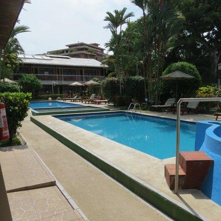 Hotel Mar de Luz: piscinas and jacuzzi
