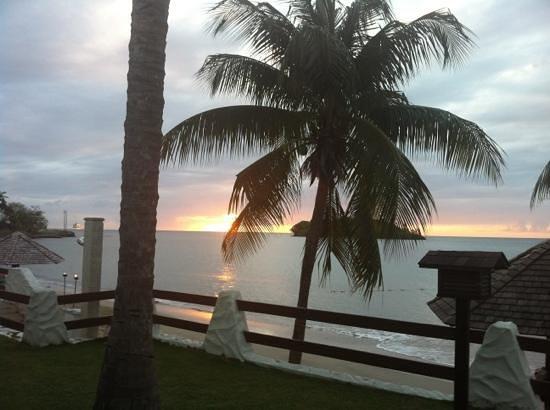 Sandals Halcyon Beach Resort: beautiful sunset